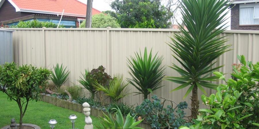 Cream Garden Fence