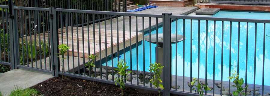 Moduline Fencing Colorsteel Fencing For Homes Amp Pools Mrf
